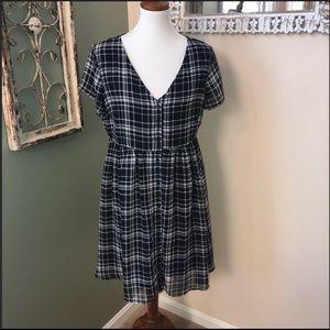 Old Navy plaid button down dress, SZ L